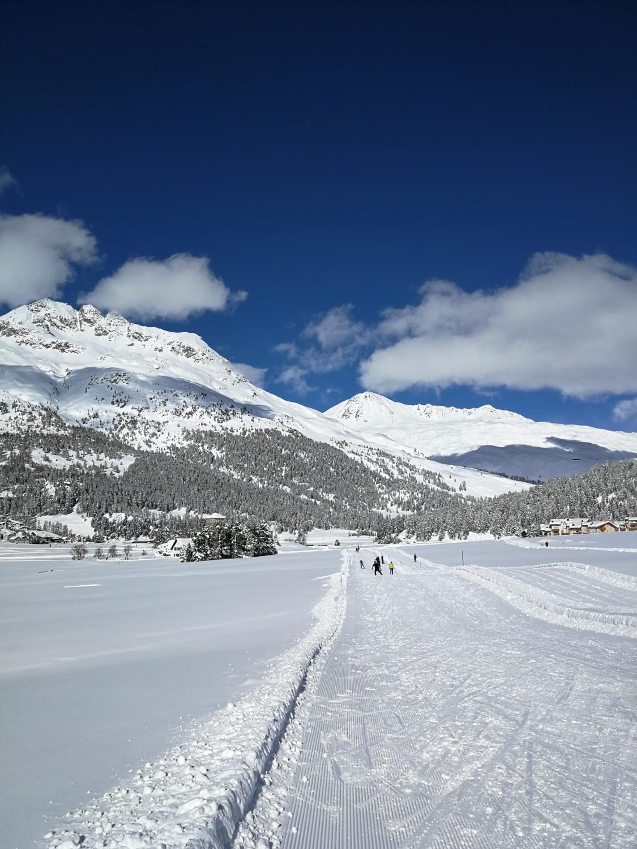 Langlaufen Engadin Loipe und Berge