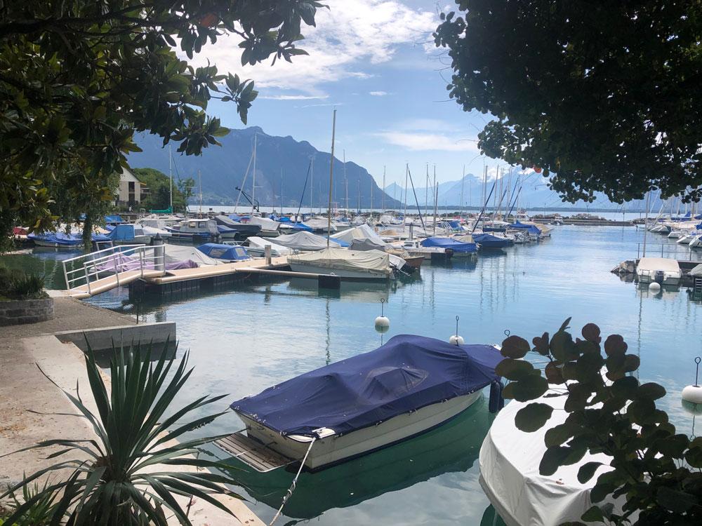 Schiffe im Hafen von Montreux